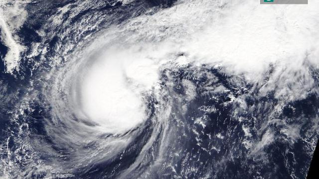Thông tin mới nhất về cơn bão số 6: Cách Trường Sa 110km, giật cấp 15