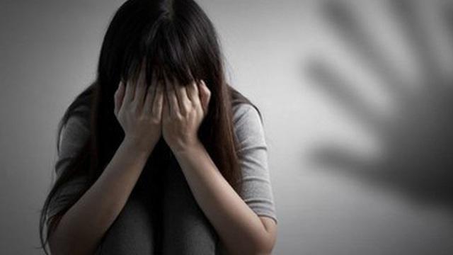 Nam thanh niên đưa nữ sinh cấp 2 vào nhà nghỉ xâm hại đến nhập viện