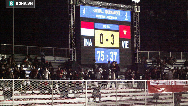 Bỏ lại đội nhà, CĐV Indonesia lũ lượt về ngay khi nhận bàn thua quyết định trước Việt Nam