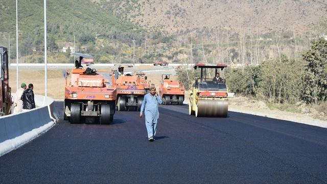 """FT: Sốt ruột cứu vãn danh tiếng của Vành đai và con đường, TQ """"ép"""" Pakistan khởi động lại dự án"""