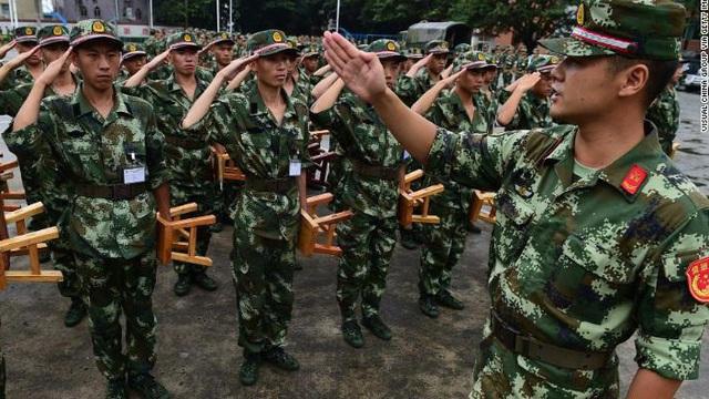 """Lính Trung Quốc đào ngũ bị """"sỉ nhục"""" như thế nào?"""