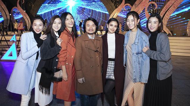 Dàn Hoa hậu, Á hậu xinh đẹp xuất hiện tại lễ khai mạc Festival hoa Đà Lạt