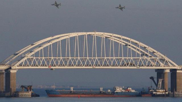 Nga khánh thành cầu Kerch nối bán đảo Crimea – Nga