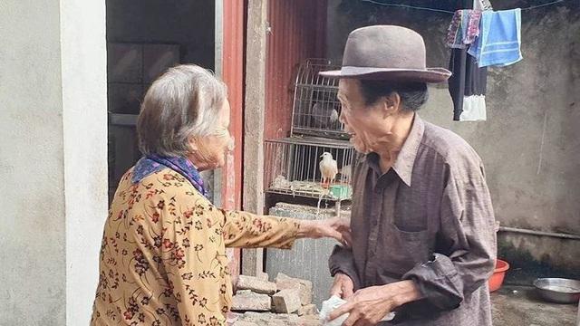 Cụ ông mù ở Hà Nội nên duyên với 13 người vợ, có 24 đứa con lên báo Trung Quốc