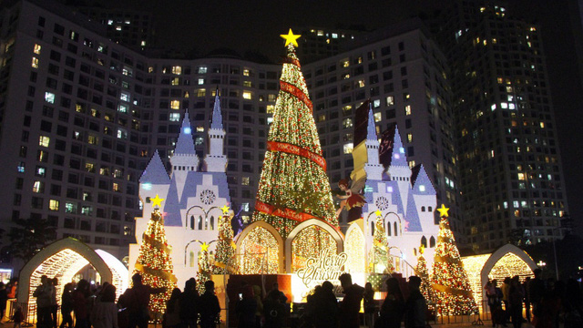 Những điểm lý tưởng đón Giáng Sinh, Noel tại Hà Nội và TP HCM