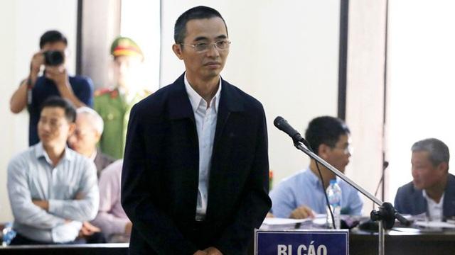 Giai đoạn II vụ đánh bạc nghìn tỷ: Vì sao tiếp tục hoãn xử cựu Chánh Thanh tra Bộ TT-TT?