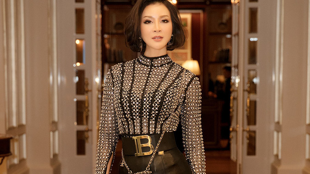 MC Thanh Mai khoe vòng eo 58 cm ở tuổi 46
