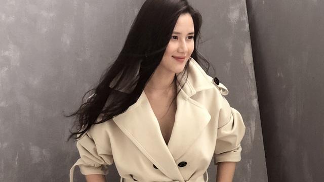 """MC Huyền Châu ngày càng xinh đẹp, háo hức chuẩn bị """"bữa tiệc thời trang"""""""