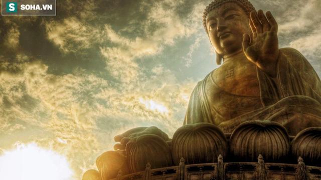 Bị họ hàng lấy hết của cải, người đàn ông làm 1 việc kỳ lạ nhưng được Đức Phật ủng hộ