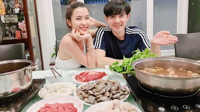 Một tháng sau lễ cưới, cuộc sống vợ chồng son của Đông Nhi - Ông Cao Thắng ra sao?