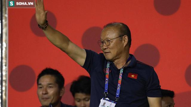 """Trả lời báo Hàn, thầy Park tiết lộ về thuật """"đắc nhân tâm"""" áp dụng cho bóng đá Việt Nam"""