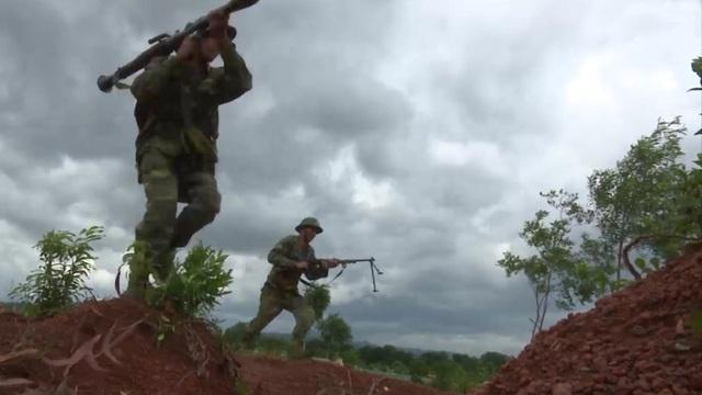 Chiến trường K: Quân Polpot dùng chiến thuật nguy hiểm - Quân tình nguyện VN gặp khó trên chốt S'nuol