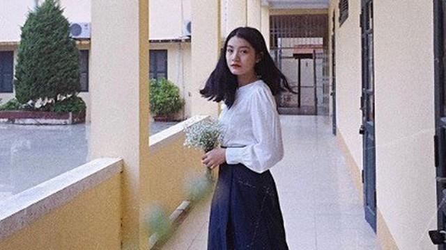 Nữ sinh tặng hoa ông Kim Jong-un ở ga Đồng Đăng: Vô cùng bất ngờ và hạnh phúc