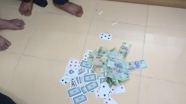 Vì sao đại uý công an ở Cần Thơ bị chuyển công tác sau khi bắt đánh bạc?