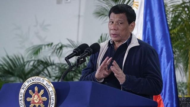 Cựu ngoại trưởng Philippines kiện ông Tập, TT Duterte dọa: Tên lửa TQ đến Manila trong 7 phút