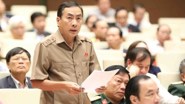 ĐBQH cảm thấy 'bất ngờ' về đề xuất ai mất bằng lái xe đều phải thi lại của Bộ trưởng Thể