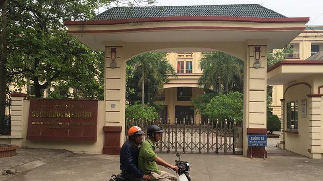 Đại học Ngoại Thương đuổi học 2 thí sinh được nâng điểm ở Hòa Bình