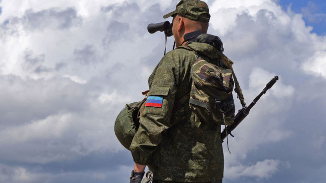 """Ukraine """"rục rịch"""" triển khai thêm lực lượng đến sát Donbass trước hồi kết bầu cử: Sắp có biến lớn?"""