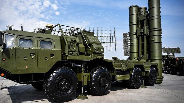"""Trao S-400 cho Thổ Nhĩ Kỳ, Nga có tạo thế """"lộng hành"""" cho """"đối thủ"""" một thời ở Syria?"""