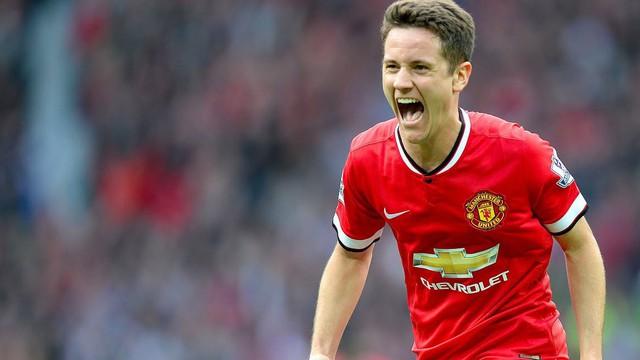 """Man Utd """"đá đểu"""" Gerrard trong clip chia tay """"chiến binh"""" Herrera"""