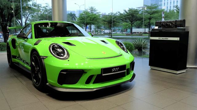 Cận cảnh Porsche 911 GT3 RS hàng hiếm, giá 14 tỷ đồng ở Hà Nội