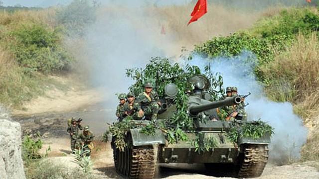 Đêm ra chốt giữa hai làn đạn, lính tình nguyện Việt Nam suýt tiếp đạn cho quân Polpot