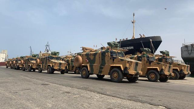 """Tướng Haftar thề quyết chiến với dân quân Tripoli: Libya đang """"tự sát""""?"""
