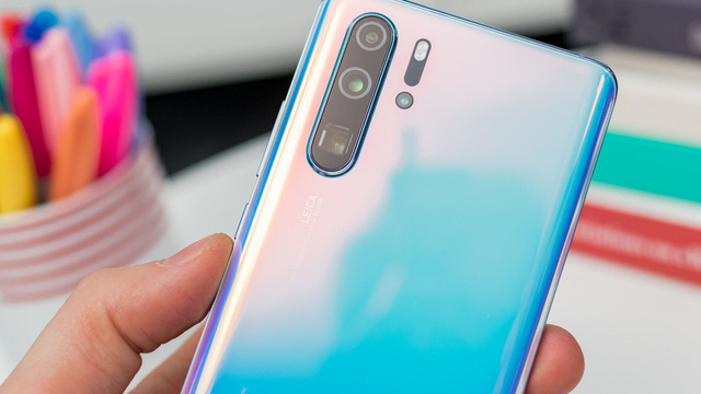 Trợ giá lên đến 4 triệu cho khách hàng lên đời điện thoại Huawei