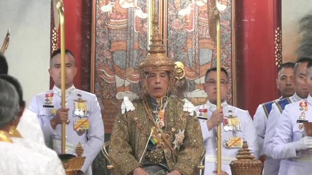 Kết quả hình ảnh cho Không xúc phạm vua và hoàng gia Thái Lan
