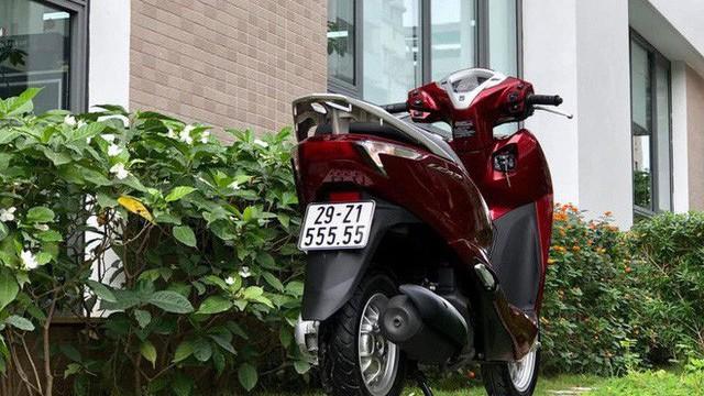 Dân chơi Sài Gòn hái ra tiền bằng nghề bán xe máy biển 'khủng' hét giá ngang ô tô