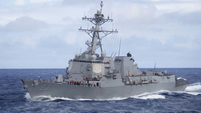 Hai chiến hạm Mỹ áp sát phạm vi 12 hải lý Đá Gạc Ma, Đá Ga Ven trên biển Đông