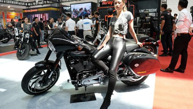 Ngắm dàn mô tô Harley-Davidson, Triumph và Royal Enfield tiền tỷ tại Hà Nội