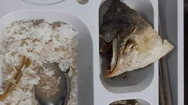 Đăng ảnh than thở về bữa cơm kém chất lượng, một công nhân bị cấp trên vào nặng lời mạt sát