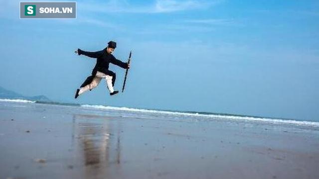 Cao thủ khinh công Võ Đang có thể chạy trên mặt nước sẽ là người hạ gục Từ Hiểu Đông?
