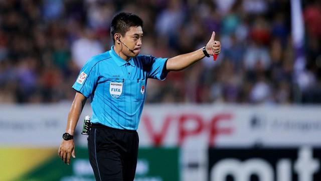 Trọng tài FIFA Nguyễn Hiền Triết ngất xỉu ở bài kiểm tra thể lực giữa mùa giải