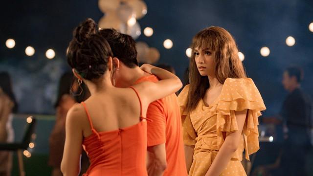 MV Hương Giang nổi điên với bạn thân của người yêu thu hút triệu người xem