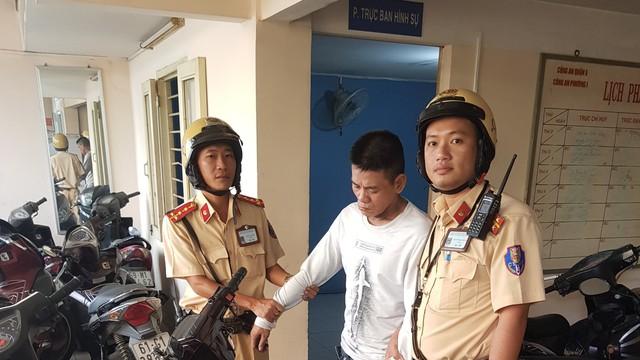 CSGT TPHCM truy đuổi kẻ trộm cắp trên đường phố