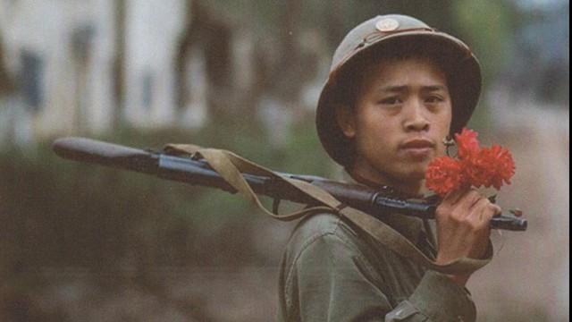 Bảo vệ biên giới - Việt Nam anh hùng: Chiến tranh ở hai đầu đất nước