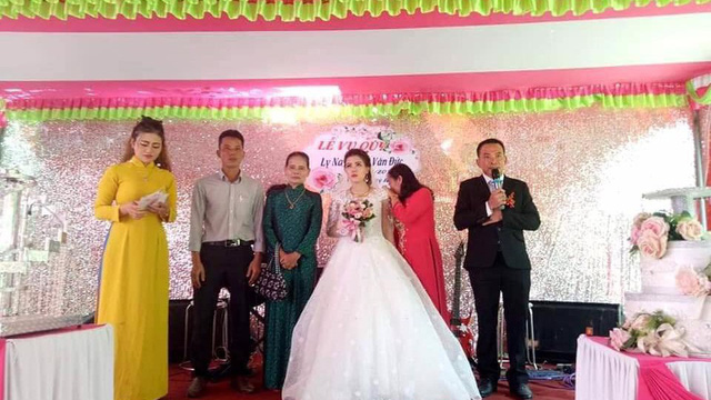 Đám cưới không chú rể ở Quảng Trị: Ai đến chung vui cũng lén lau nước mắt, thương cô dâu