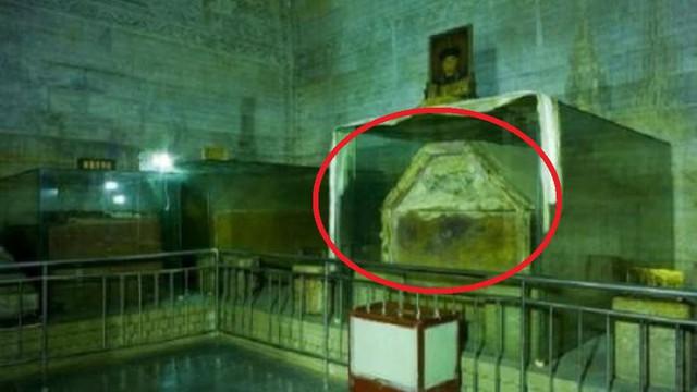"""Bảo vật vô giá trong lăng mộ Càn Long khiến 4 người cả gan """"sở hữu"""" chịu kết cục thảm khốc"""