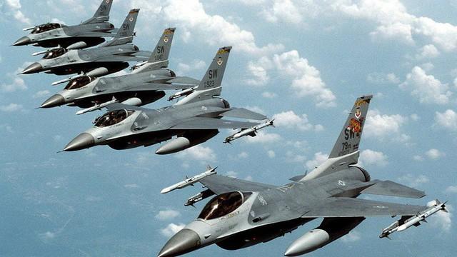 F-16 Pakistan tấn công, Su-30 Ấn Độ tháo chạy: Nỗi thất vọng ê chề với tên lửa Nga!