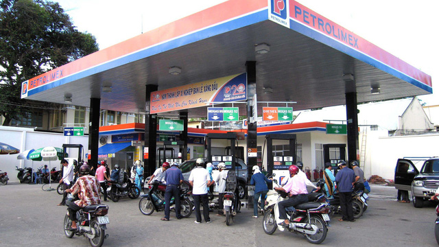 Giá xăng dầu tiếp tục tăng mạnh kể từ 17h chiều nay