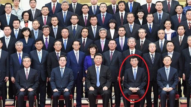 """Một quan chức xuất hiện """"bất thường"""" bên ông Tập: Làng ngoại giao TQ thay đổi đội ngũ ra quyết sách?"""
