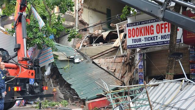 Xác định thời gian xây dựng căn nhà bị sập trên phố Hàng Bông