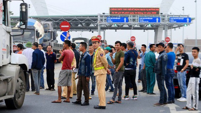 Chặn trạm thu phí BOT, Hà Văn Nam lĩnh 30 tháng tù giam về tội Gây rối trật tự công cộng