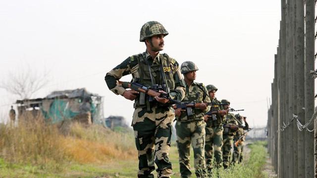 Pakistan triệu nhà ngoại giao Ấn Độ vì giao tranh tại biên giới