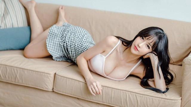 Nhan sắc bốc lửa của người đẹp Hàn Quốc bị phát tán clip nóng
