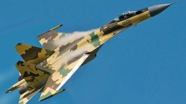 """Tại sao Trung Quốc """"vung tiền"""" mua thêm Su-35 từ Nga bất chấp đang có đội bay lớn nhất, nhì thế giới?"""