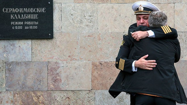 """Vụ cháy tàu ngầm tuyệt mật: Quan chức quân sự cấp cao Nga vừa tiết lộ điều """"đáng sợ"""" trong lời điếu văn"""