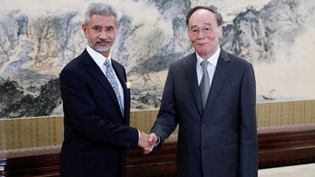 """Trung Quốc """"ra mặt"""" bênh vực Pakistan, cảnh báo Ấn Độ về căng thẳng ở Kashmir"""
